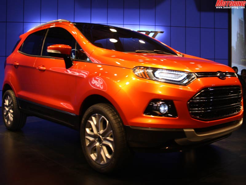 Inverted trapezoidal grille and sharply raked A-pillar. Ford is also making an effort to ensure smaller headlamps are used.