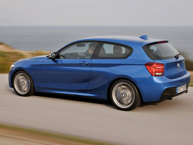This BMW M135i is the first in the BMW M Performance line-up to sport a petrol motor, with the motor getting the TwinPower tech  from BMW, which is basically a twin scroll turbocharger that replaces two separate turbochargers. Of course, you do have more sensible motors on offer