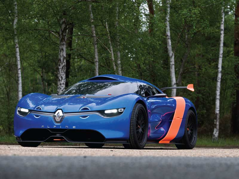 The styling for this is heavily borrowed from Renault's recent DeZir concept, along with a few throwback cues from the original, like the driving lamps, with the underpinnings from the Renault Megane Cup car.