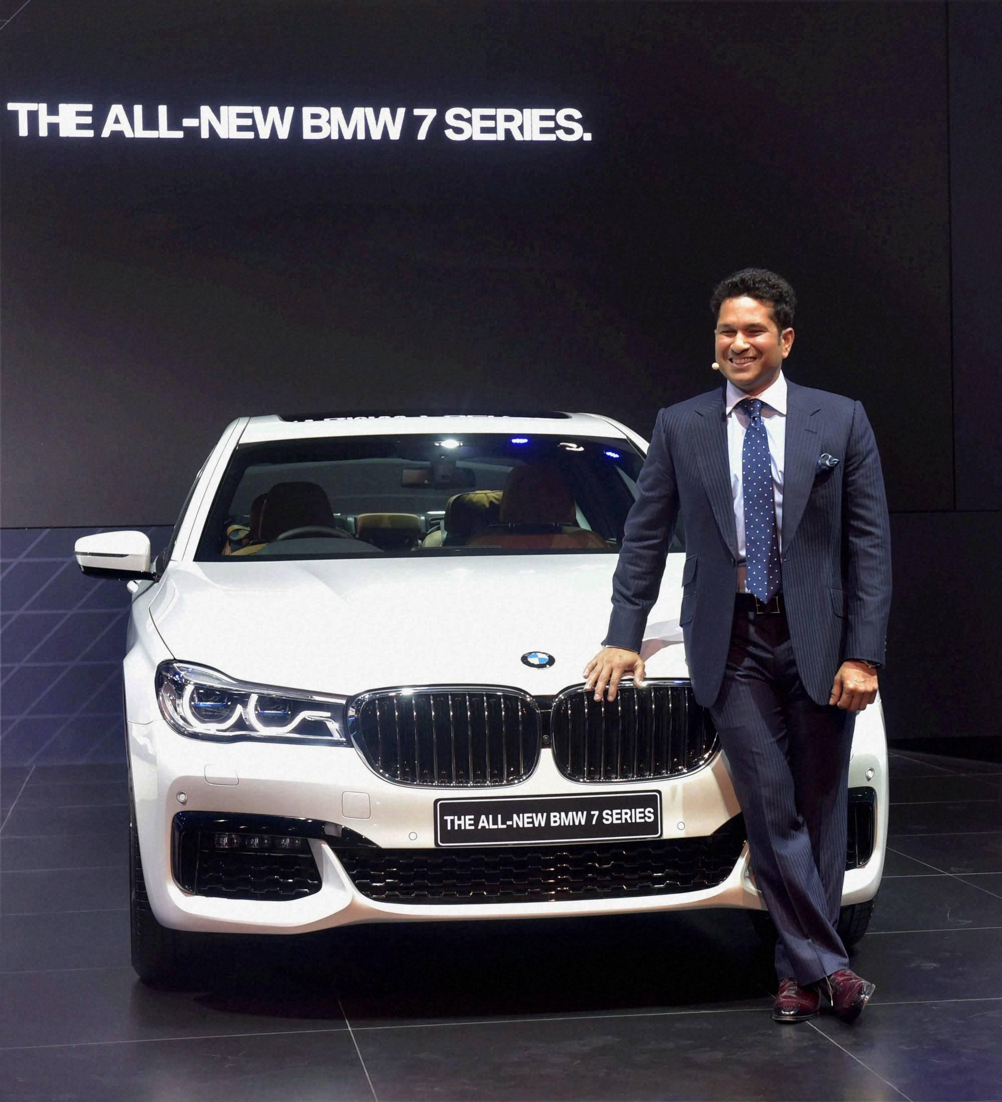 Auto expo 2016 sachin tendulkar at the launch of bmw 7 series