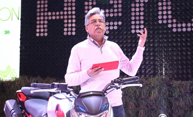 Hero bikes at auto expo 2016 hero xtreme 200s