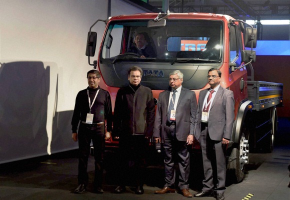 Auto Expo 2016 : TATA and Blazo launch of a new heavy commercial vehicles