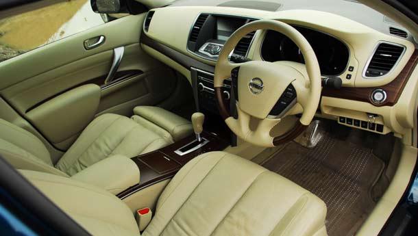 Тест драйв Toyota Camry против Nissan Teana (Игорь