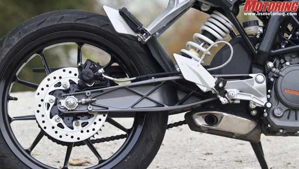 TecknoStatz: World Exclusive! KTM Duke 200 review!