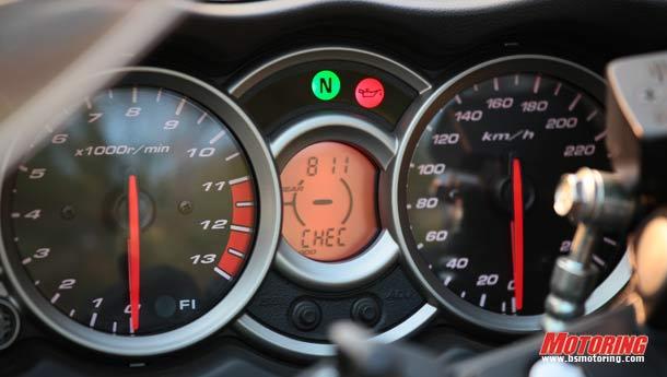 BMW S1000RR Vs Suzuki Hayabusa - Speed