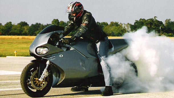 It's capable of 418 kph, does 0-320 kph in 5.4 and is quite literally a jet on two wheels!